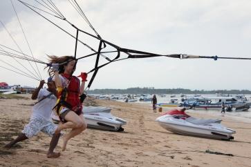 Parasailing Tanjung Benoa, Bali - 7 May 2011